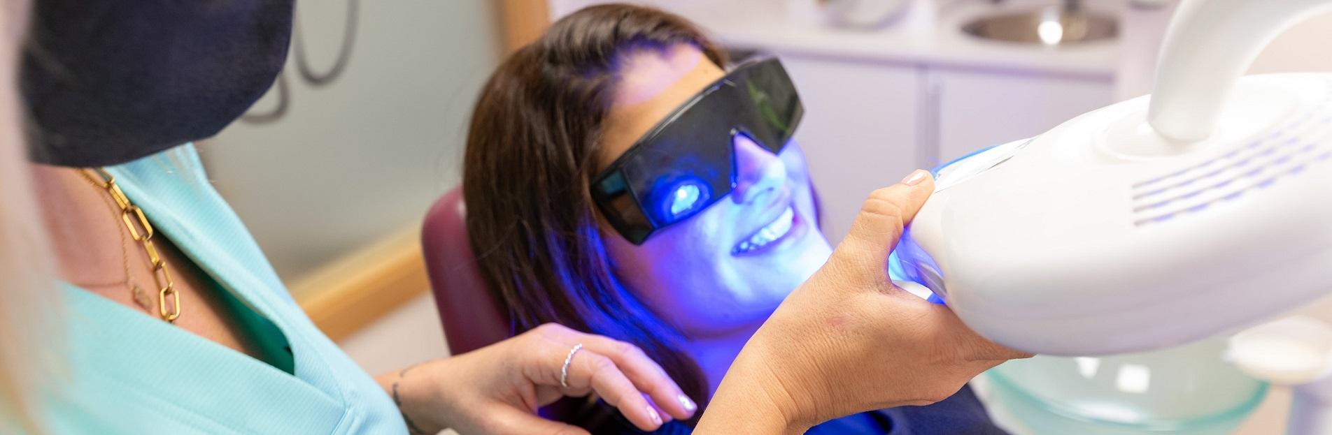 Tratamientos de estética dental- Clínica dental Parracía